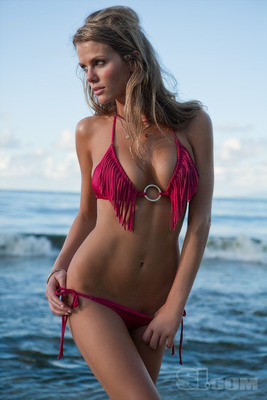 Brooklyn-decker-bikini-009_display_image