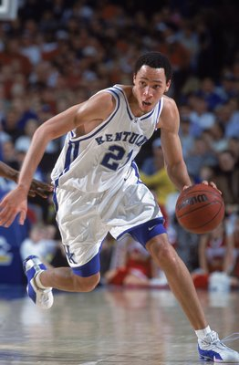 8 Mar 2001:  Tayshaun Prince #21 of the Kentucky Wildcats dribbles the ball during the SEC Tournament game against the Arkansas Razorbacks in Nashville, Tennessee.  The Wildcats defeated the Razorbacks 87-78.Mandatory Credit: Andy Lyons  /Allsport
