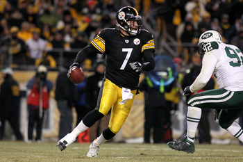 PITTSBURGH, PA - JANUARY 23:  Quarterback Ben Roethlisberger #7 of the Pittsburgh Steelers looks to pass against the Pittsburgh Steelers during the 2011 AFC Championship game at Heinz Field on January 23, 2011 in Pittsburgh, Pennsylvania. The Steelers won