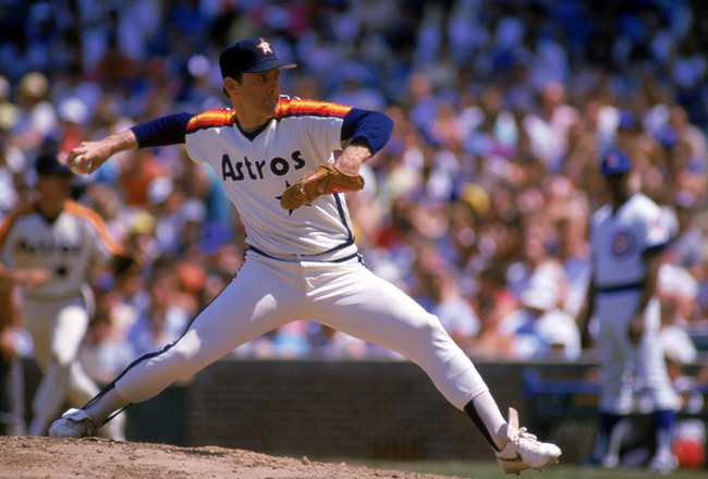 CHICAGO - 1988:  Nolan Ryan #34 of the Houston Astros pitches during the 1988 season against the Chicago Cubs at Wrigley Field in Chicago, Illinois.  (Photo by Jonathan Daniel/Getty Images)