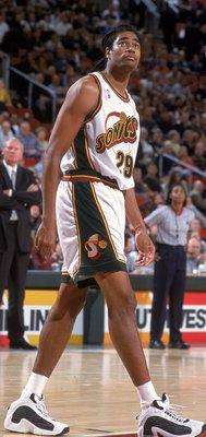 1 Nov 2000:  Pervis Ellison #29 of the Seattle SuperSonics walks on the court during a game against the Denver Nuggets at the Key Arena in Seattle, Washington. The Sonics defeated the Nuggets 112-99. NOTE TO USER: It is expressly understood that the only