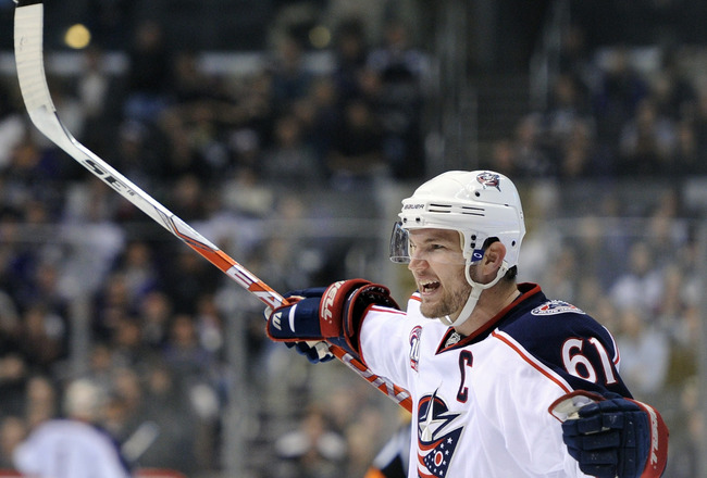 LOS ANGELES, CA - NOVEMBER 17:  Rick Nash #61 of the Columbus Blue Jackets celebrates his goal to take a 4-3 lead over the Los Angeles Kings during the third period at the Staples Center on November 17, 2010 in Los Angeles, California.  (Photo by Harry Ho
