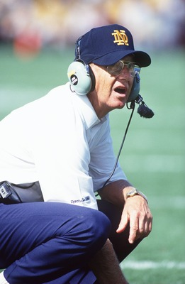 4 Sep 1993: LOU HOLTZ, HEAD COACH OF NOTRE DAME ON THE SIDELINE.