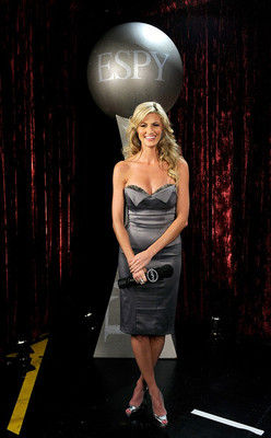 Erinandrews17thannualespyawardsbackstagehr_6hjvdb9gl_display_image