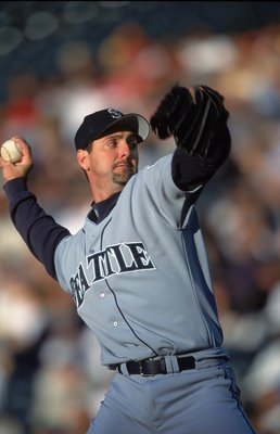 14 Jun 2001:  Paul Abbott #48 of the Seattle Mariners pitches during the game against the Colorado Rockies at Coors Field in Denver, Colorado. The Rockies defeated the Mariners 8-2.Mandatory Credit: Brian Bahr  /Allsport
