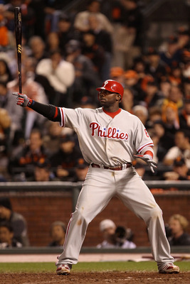 SAN FRANCISCO - OCTOBER 21:  Ryan Howard #6 of the Philadelphia Phillies at bat in the eighth inning against the San Francisco Giants in Game Five of the NLCS during the 2010 MLB Playoffs at AT&T Park on October 21, 2010 in San Francisco, California.  (Ph
