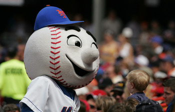FLUSHING, NY - MAY 20: Mr. Met, the mascot of the New York Mets, during the game against the St. Louis Cardinals on May 20, 2004 at Shea Stadium in Flushing, New York.  The Cardinals won 11-4.  (Photo by Ezra Shaw/Getty Images)