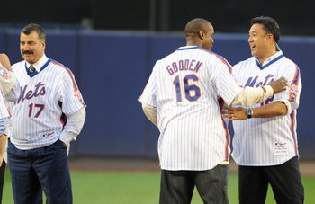 NEW YORK - SEPTEMBER 28:  (L-R) Former New York Mets players Lenny Dykstra, Jerry Koosman, Keith Hernandez, Dwight Gooden, Ron Darling greet after the game against the Florida Marlins to commemorate the last regular season baseball game ever played in She