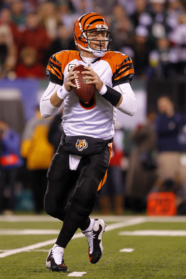 EAST RUTHERFORD, NJ - NOVEMBER 25:  Quarterback Carson Palmer #9 of the Cincinnati Bengals looks to throw a pass against the New York Jets at New Meadowlands Stadium on November 25, 2010 in East Rutherford, New Jersey.  (Photo by Chris Trotman/Getty Image