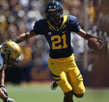 BERKELEY, CA - SEPTEMBER 11: Keenan Allen #21 of the California Golden Bears runs against Tyler Ahles #58 of the Colorado Buffaloes at California Memorial Stadium on September 11, 2010 in Berkeley, California.  (Photo by Jed Jacobsohn/Getty Images)