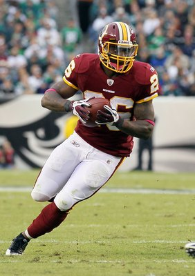 PHILADELPHIA - OCTOBER 03: Clinton Portis #26 of the Washington Redskins against the Philadelphia Eagles on October 3, 2010 at Lincoln Financial Field in Philadelphia, Pennsylvania. The Redskins defeated the Eagles 17-12.  (Photo by Jim McIsaac/Getty Imag
