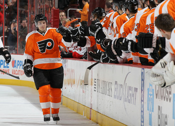 PHILADELPHIA, PA - JANUARY 20: Daniel Briere #48 of the Philadelphia Flyers celebrates his first period goal against the Ottawa Senators on January 20, 2011 at Wells Fargo Center in Philadelphia, Pennsylvania.  (Photo by Jim McIsaac/Getty Images)