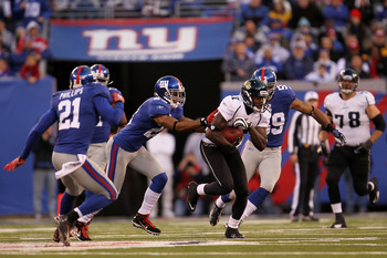EAST RUTHERFORD, NJ - NOVEMBER 28:  Mike Sims-Walker #11 of the Jacksonville Jaguars makes a break against the New York Giants at New Meadowlands Stadium on November 28, 2010 in East Rutherford, New Jersey.  (Photo by Chris McGrath/Getty Images)