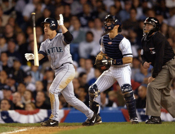 20 Oct 2001: Seattle Mariner Bret Boone #29 hits a two run home run in the sixth inning of Game 3 of the American League Championship Series at Yankee Stadium in the Bronx, New York. DIGITAL IMAGE    Mandatory Credit: Ezra Shaw/ALLSPORT