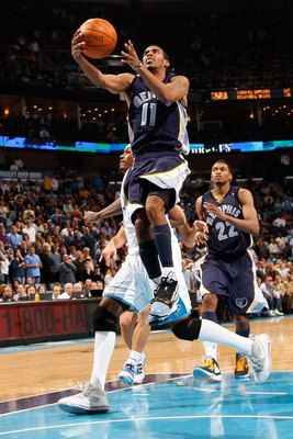NEW ORLEANS - JANUARY 20:  Mike Conley #11 of the Memphis Grizzlies shoots the ball against the New Orleans Hornets at the New Orleans Arena on January 20, 2010 in New Orleans, Louisiana.  NOTE TO USER: User expressly acknowledges and agrees that, by down