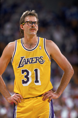 LOS ANGELES - 1987:  Kurt Rambis #31 of the Los Angeles Lakers stands on the court during an NBA game at the Great Western Forum in Los Angeles, California in 1987. (Photo by: Scott Halleran/Getty Images)