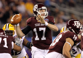 ARLINGTON, TX - JANUARY 07:  Quarterback Ryan Tannehill #17 of the Texas A&amp;M Aggies throws against the LSU Tigers during the AT&amp;T Cotton Bowl at Cowboys Stadium on January 7, 2011 in Arlington, Texas.  (Photo by Ronald Martinez/Getty Images)