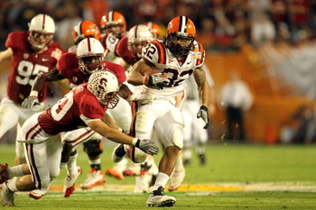 MIAMI, FL - JANUARY 03:  Darren Evans #32 of the Virginia Tech Hokies runs the ball against the Stanford Cardinal during the 2011 Discover Orange Bowl at Sun Life Stadium on January 3, 2011 in Miami, Florida. Stanford won 40-12. (Photo by Mike Ehrmann/Get