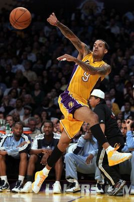 LOS ANGELES, CA - NOVEMBER 02:  Matt Barnes #9 of the Los Angeles Lakers plays against the Memphis Grizzlies during the game at Staples Center on November 2, 2010 in Los Angeles, California. The Lakers defeated the Grizzlies 124-105. NOTE TO USER: User ex