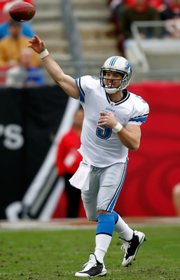 TAMPA, FL - DECEMBER 19:  Quarterback Drew Stanton #5 of the Detroit Lions throws a pass against the Tampa Bay Buccaneers during the game at Raymond James Stadium on December 19, 2010 in Tampa, Florida.  (Photo by J. Meric/Getty Images)