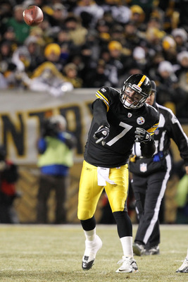 PITTSBURGH, PA - JANUARY 23:  Ben Roethlisberger #7 of the Pittsburgh Steelers passes against the New York Jets in the 2011 AFC Championship game at Heinz Field on January 23, 2011 in Pittsburgh, Pennsylvania. The Steelers defeated the Jets 24 to 19.  (Ph