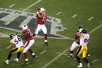 TAMPA, FL - FEBRUARY 01:  Kurt Warner #13 of the Arizona Cardinals throws a pass against the Pittsburgh Steelers during Super Bowl XLIII on February 1, 2009 at Raymond James Stadium in Tampa, Florida.  (Photo by Doug Benc/Getty Images)
