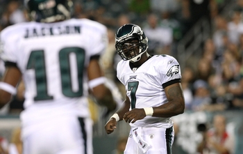PHILADELPHIA, PA - AUGUST 27:  Michael Vick #7 looks at teammate DeSean Jackson #10 of the Philadelphia Eagles during the preseason game at Lincoln Financial Field on August 27, 2009 in Philadelphia, Pennsylvania.  (Photo by Jim McIsaac/Getty Images)