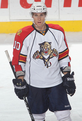 BUFFALO, NY - DECEMBER 23:  David Booth #10 of the Florida Panthers waits for a faceoff against the Buffalo Sabres  at HSBC Arena on December 23, 2010 in Buffalo, New York. Florida won 4-3.  (Photo by Rick Stewart/Getty Images)