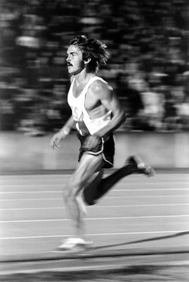 15 Sep 1972:  Steve Prefontaine of the USA in action during a track and field event at Crystal Palace in London, England.  \ Mandatory Credit: Tony Duffy  /Allsport