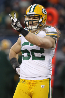 CHICAGO, IL - JANUARY 23:  Linebacker Clay Matthews #52 of the Green Bay Packers holds up two fingers against the Chicago Bears in the NFC Championship Game at Soldier Field on January 23, 2011 in Chicago, Illinois.  (Photo by Jonathan Daniel/Getty Images