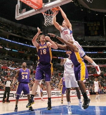Blake-griffin-dunk-on-lakers-460x502_display_image