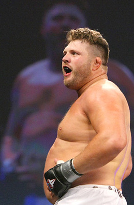 Roy-nelson-belly-rub_display_image