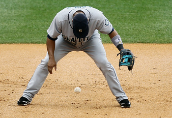 NEW YORK - AUGUST 22:  Jose Lopez #4 of the Seattle Mariners commits a fielding error in the second inning against the New York Yankees on August 22, 2010 at Yankee Stadium in the Bronx borough of New York City.  (Photo by Jim McIsaac/Getty Images)