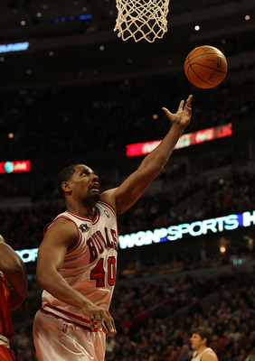 CHICAGO, IL - DECEMBER 28: Kurt Thomas #40 of the Chicago Bulls puts up a shot against the Milwaukee Bucks at the United Center on December 28, 2010 in Chicago, Illinois. The Bulls defeated the Bucks 90-77. NOTE TO USER: User expressly acknowledges and ag