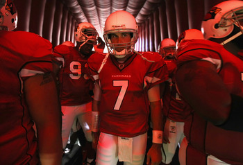 GLENDALE, AZ - AUGUST 14:  Quarterback Matt Leinart #7 of the Arizona Cardinals is introduced prior to preseason NFL game against the Houston Texans at the University of Phoenix Stadium on August 14, 2010 in Glendale, Arizona. The Cardinals defeated the T