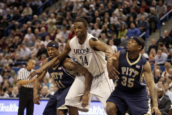 Ncaa_basketball__pittsburgh_vs_u-75997_largeslideshow_display_image