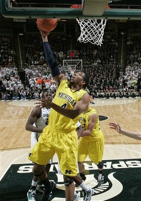 54003_michigan_michigan_st_basketball_display_image
