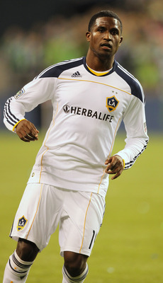 SEATTLE, WA - OCTOBER 31:  Edson Buddle #14 of the Los Angeles Galaxy follows the play against the Seattle Sounders FC during the 1st leg playoff game at Qwest Field on October 31, 2010 in Seattle, Washington. (Photo by Otto Greule Jr/Getty Images)