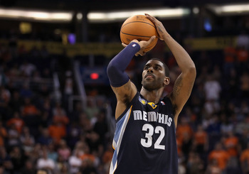 PHOENIX - NOVEMBER 05:  O.J. Mayo #32 of the Memphis Grizzlies shoots a free throw shot during the NBA game against the Phoenix Suns at US Airways Center on November 5, 2010 in Phoenix, Arizona. NOTE TO USER: User expressly acknowledges and agrees that, b