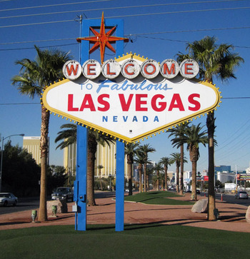 Welcome_to_fabulous_las_vegas_sign_display_image