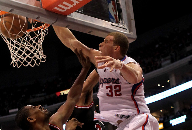 LOS ANGELES, CA - FEBRUARY 02:  Blake Griffin #32 of the Los Angeles Clippers dunks over Kurt Thomas #40 of the Chicago Bulls at Staples Center on February 2, 2011  in Los Angeles, California. The Bulls won 106-88.  NOTE TO USER: User expressly acknowledg