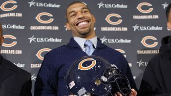 Julius Peppers introduced as a Chicago Bear