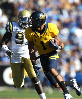 BERKELEY, CA - OCTOBER 09:  Marvin Jones #1 of the California Golden Bears runs for a touchdown against the UCLA Bruins at California Memorial Stadium on October 9, 2010 in Berkeley, California.  (Photo by Jed Jacobsohn/Getty Images)