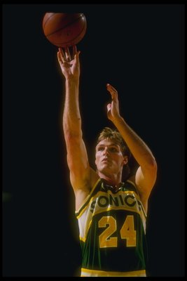 Tom Chambers shooting. The fans saw a lot of this in 1987.