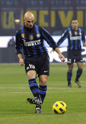 MILAN, ITALY - FEBRUARY 06:  Esteban Cambiasso of Inter in action during the Serie A match between FC Internazionale Milano and AS Roma at Stadio Giuseppe Meazza on February 6, 2011 in Milan, Italy.  (Photo by Dino Panato/Getty Images)