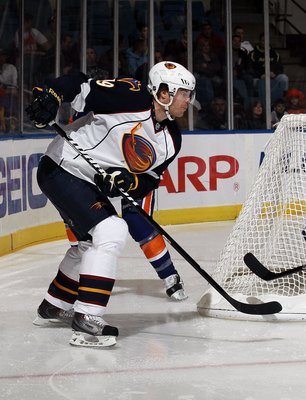 UNIONDALE, NY - DECEMBER 11:  Freddy Modin #19 of the Atlanta Thrashers skates against the New York Islanders on December 11, 2010 at Nassau Coliseum in Uniondale, New York. The Thrashers defeated the Isles 5-4.  (Photo by Jim McIsaac/Getty Images)