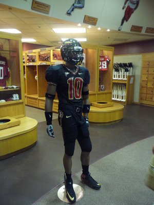 Florida-state-all-black-uniforms_display_image