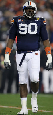 GLENDALE, AZ - JANUARY 10:  Nick Fairley #90 of the Auburn Tigers reacts during their Tostitos BCS National Championship Game against the Oregon Ducks at University of Phoenix Stadium on January 10, 2011 in Glendale, Arizona.  (Photo by Ronald Martinez/Ge
