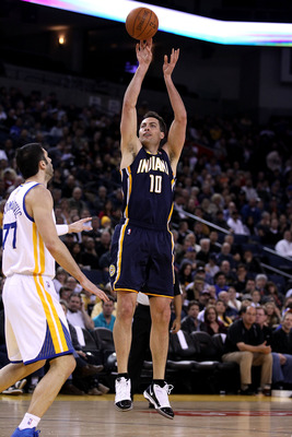 OAKLAND, CA - JANUARY 19:  Jeff Foster #10 of the Indiana Pacers in action against the Golden State Warriors at Oracle Arena on January 19, 2011 in Oakland, California.  NOTE TO USER: User expressly acknowledges and agrees that, by downloading and or usin