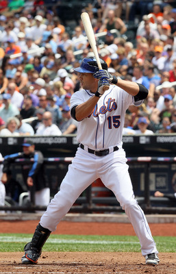 NEW YORK - JULY 29:  Carlos Beltran #15 of the New York Mets bats against the St. Louis Cardinals on July 29, 2010 at Citi Field in the Flushing neighborhood of the Queens borough of New York City.  (Photo by Jim McIsaac/Getty Images)